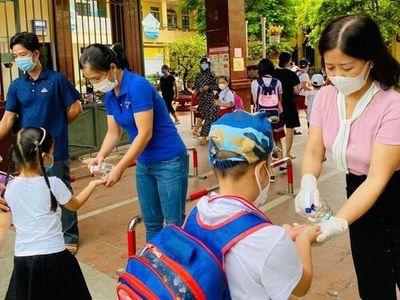 Bộ GD&ĐT yêu cầu mở cửa trường học dựa vào cấp độ dịch tại địa phương