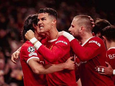 Ronaldo vào vai người hùng, giúp MU ngược dòng thần kỳ