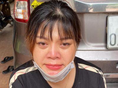 Bắt người phụ nữ vận chuyển 2 bánh heroine để lấy 20 triệu đồng