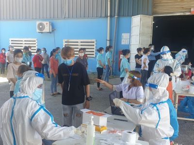 Đà Nẵng: Triển khai lấy mẫu xét nghiệm SARS-CoV-2 cho hơn 52.000 lao động các khu công nghiệp