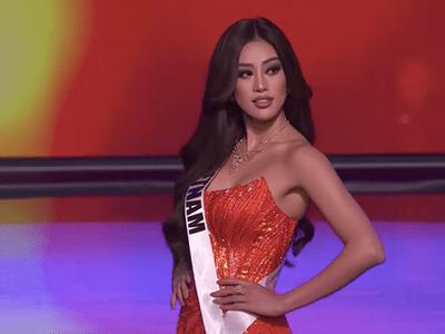 Khánh Vân ghi điểm nhờ hành động tinh tế, diện váy dạ hội lộng lẫy tại bán kết Miss Universe 2020