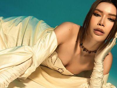 Minh Tú khoe style đối lập dù không diện bikini nóng bỏng hay trang phục cá tính đậm chất mẫu