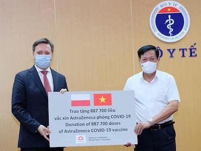 Bộ Y tế tiếp nhận gần 2 triệu liều vaccine AstraZeneca do Hàn Quốc và Ba Lan hỗ trợ