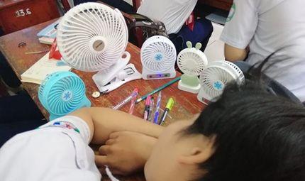 Cộng đồng mạng - 1001 cách sáng tạo ra gió mát của học sinh mùa thi