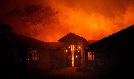 Tin thế giới - Cháy rừng ở California: Thống đốc bang tuyên bố tình trạng khẩn cấp