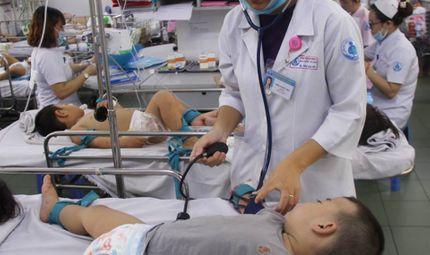 Sức khoẻ - Làm đẹp - Phòng mọi cách, bệnh nhân sốt xuất huyết vẫn cao gấp 3 năm ngoái với 50 người tử vong
