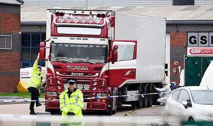Tin thế giới - Nóng: Cảnh sát Hy Lạp phát hiện 41 người di cư trong xe tải đông lạnh