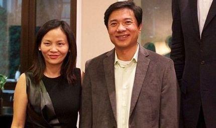 """Gia đình - Tình yêu - """"Hô biến"""" chồng nghèo thành tỷ phú top thế giới, phu nhân đế chế Baidu được chồng """"đội lên đầu"""""""