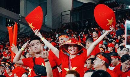 """Thị trường - Sau chiến thắng bán kết ấn tượng, tour đi Philippines cổ vũ tuyển Việt Nam """"cháy hàng"""""""