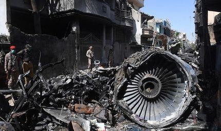 Tin thế giới - Sốc: Hơn 30% số phi công Pakistan sử dụng giấy phép lái máy bay giả