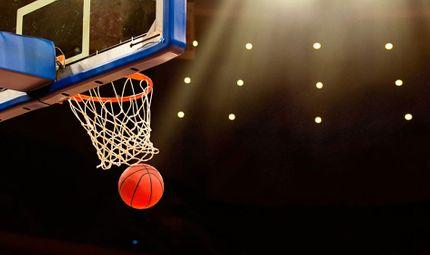 Video-Hot - Video: Cậu bé 2,5 tuổi chơi bóng rổ cực đỉnh