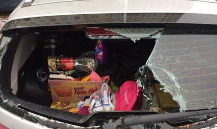 Tin trong nước - Hà Nội: Ô tô bị đập vỡ kính khi đỗ dưới chân tòa nhà