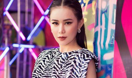 """Tin tức giải trí - Đi xem show thời trang, """"Á hoàng đá quý"""" Cao Thùy Trang xinh đẹp hút hồn trong bộ trang phục ấn tượng"""
