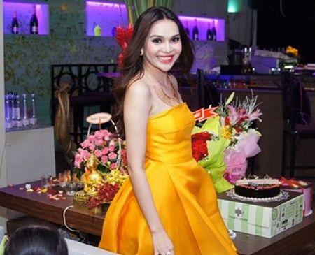Sắp tới, Diệu Hân sẽ thực hiện các kế hoạch quảng bá du lịch Việt Nam khi ứng cử ngôi vị Đại sứ Du lịch năm 2012. Đồng thời, người đẹp vẫn tham gia tích cực các hoạt động thiện nguyện, xã hội.