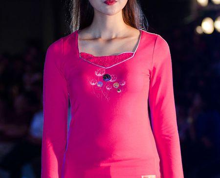 Đây là lần đầu tiên Hà Lade và Quỳnh Anh làm người mẫu thời trang.