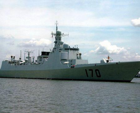 Tàu khu trục mang tên lửa dẫn đường loại 052C của Hải quân Trung Quốc