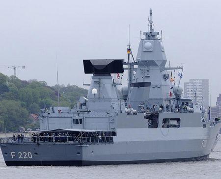 Tàu khu trục mang tên lửa F-124 của Hải quân Đức