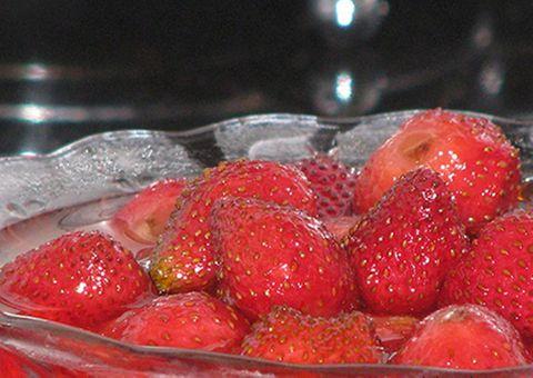 Hướng dẫn cách làm sữa chua dâu tây ngon nhất