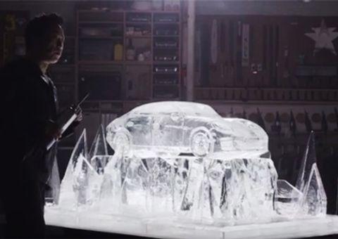 Thế giới Xe - Clip độc: Tạc Porsche Panamera tuyệt đẹp từ lửa và băng