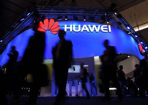 """Hãng chip hàng đầu của Mỹ """"né"""" lệnh cấm, nối lại hợp tác với Huawei"""