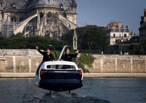 Công nghệ - Taxi điện phóng như bay trên mặt nước thay thế ca nô, giá 190.000 USD