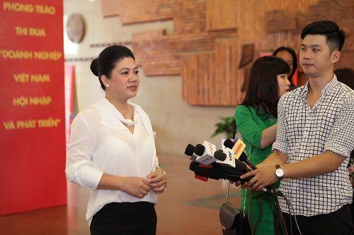 100 doanh nhân Việt Nam tiêu biểu 2016 nhận cúp Thánh Gióng - Ảnh 4