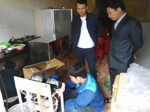 Nhà hảo tâm đưa nước sạch đến với 3.000 học sinh, giáo viên ở Hà Tĩnh - Ảnh 3