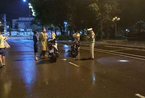 Vụ thanh niên thúc cùi trỏ CSGT: Hé lộ thông tin thanh niên đi xe máy bỏ trốn khỏi hiện trường - Ảnh 1