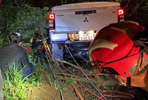 Tin tai nạn giao thông ngày 11/1: Húc đuôi container trên cao tốc Hà Nội- Hải Phòng, lái xe tải tử vong - Ảnh 3