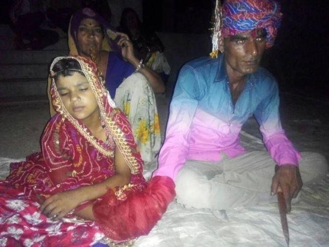 Sốc với đám cưới giữa người đàn ông 35 tuổi và bé gái 6 tuổi