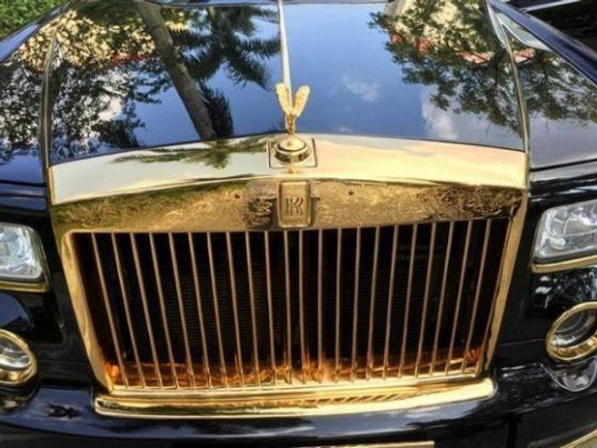 Đại gia bí ẩn sở hữu Iphone và Rolls Royce mạ vàng - Ảnh 3