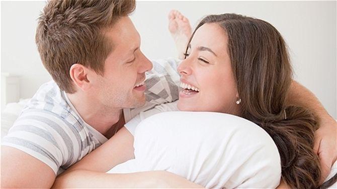 Tận mắt chứng kiến cảnh ngoại tình nóng bỏng chồng với bạn thân